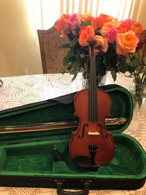 Violin 4/4 size with case bow and rosin for Sale in South Gate, CA