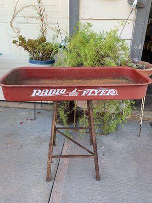Garden decor planter/stand for Sale in San Jose, CA