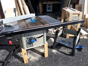 DELTA table saw for Sale in Oakland Park, FL