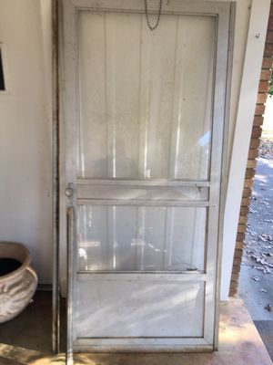 Storm door 79 1/4. 35 1/4 for Sale in Murfreesboro, TN
