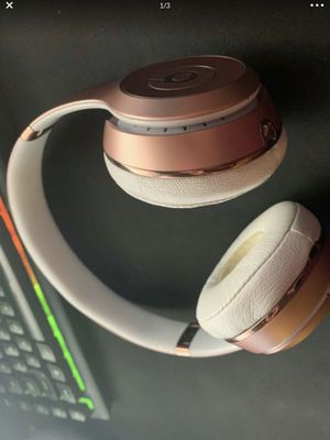 Beats solo 3 wireless gold rose for Sale in Tamarac, FL