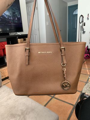 Brown leather Michael Kors Purse for Sale in San Diego, CA
