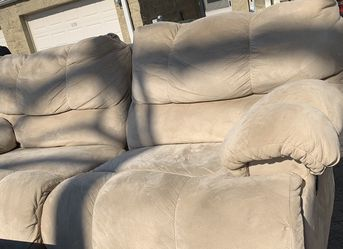 Beautiful Beige Suede reclining couch (FREE DELIVERY) for Sale in Chicago,  IL
