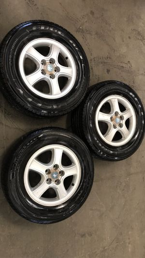 "16"" Hyundai Santa Fe rims and tires for Sale in Seattle, WA"