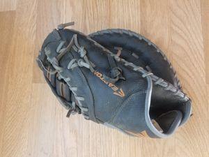 Easton baseball gloves for Sale in San Jose, CA