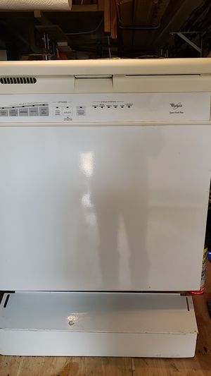 Whirlpool quick wash plus dishwasher for Sale in Houston, TX