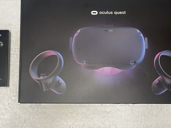 Oculus Quest All-in-one VR 128GB for Sale in Vancouver,  WA