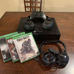 Xbox One with Controller And Headsets plus Three Games for Sale in San Antonio, TX