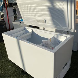 Frigidaire 14.8 Cu. Ft. Chest Freezer for Sale in Imperial Beach, CA