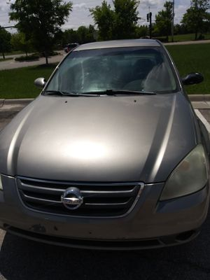 03 Nissan Altima $1500 O.B.O for Sale in Wichita, KS