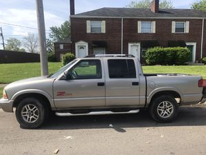 2002 Gmc truck for sale for Sale in Whitehall, OH