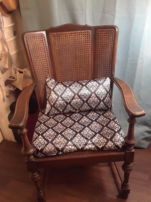 Antique black and white chair for Sale in Buena Park, CA