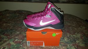 Women's Nike Hyperquickness Breast Cancer Awareness size 11 (Men's size 10) for Sale in Minneapolis, MN