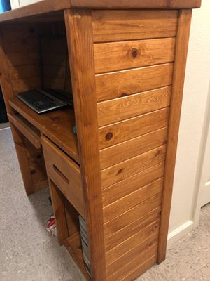 Hardly used in great condition comes with stand and desktop computer with all items !! for Sale in Visalia, CA