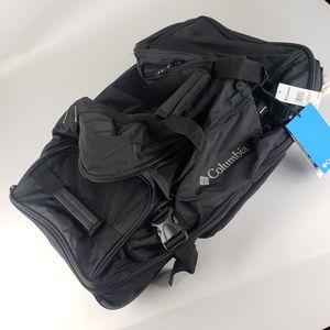 Columbia duffle bag for Sale in La Mesa, CA