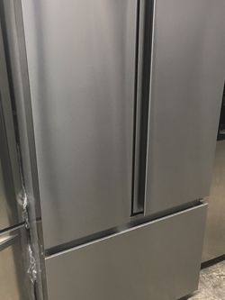 Hisense Stainless Steel French Door Refrigerator for Sale in Los Angeles,  CA