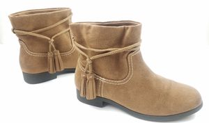 Zoe & Zac Youth Girls Ankle Boots Size 2 Brown Tassel Slip On for Sale in Walton Hills, OH