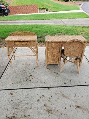 Wicker set 1 pcs pcs consol 1pcs table for Sale in Lawrenceville, GA