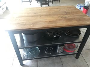 Kitchen island and work station for Sale in San Antonio, TX