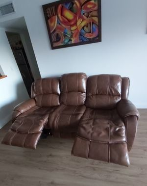 LUXURY SOFA (LIKE NEW - RECLINABLE) for Sale in Miami, FL