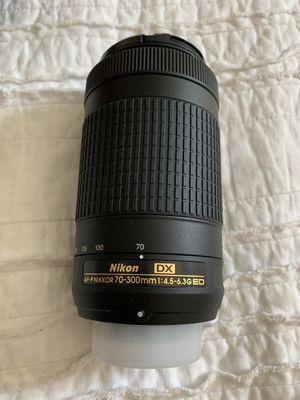 Nikon D3400 70-33mm lens for Sale in Phoenix, AZ