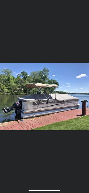 2005 Bentley 240 Cruise Pontoon Boat for Sale in West Bloomfield Township, MI