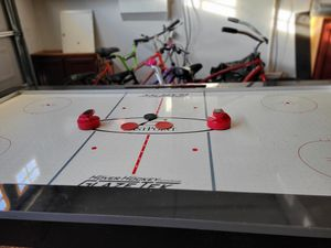 Air Hockey 🏒 Table for Sale in Riverside, CA