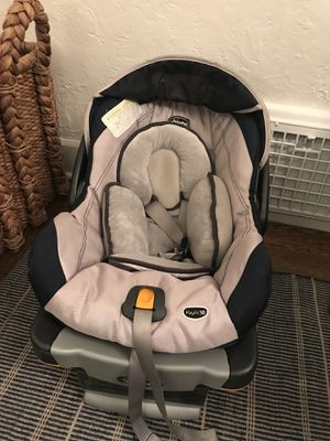 Chicco KeyFit 30 car seat + 2 bases for Sale in Seattle, WA