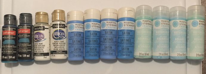 Unused acrylic paints 12 Bottles for Sale in Denver,  CO