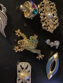 Group Of Vintage Brooches/ Pins for Sale in Somerville,  MA