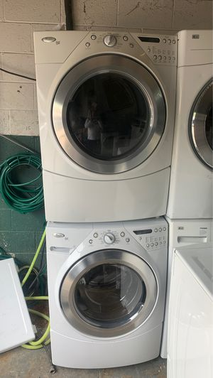 Whirlpool washer n electric dryer set for Sale in Philadelphia, PA