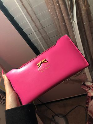 Pink wallet for Sale in Kissimmee, FL