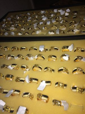 Black/White/Gold Rings for Sale in Gulfport, FL