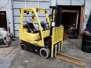 2013 Hyster S40FTS 4000# capacity Propane forklift W/ side shift and 3 stage mast for Sale in Northfield, OH