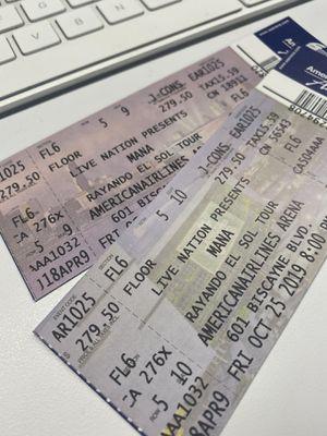 FLOOR Mana Tickets/Boletos - Miami Oct 25th for Sale in Miami, FL