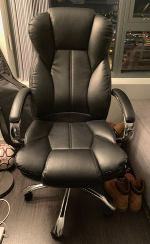 Black comfortable gaming/desk chair for Sale in Boston, MA