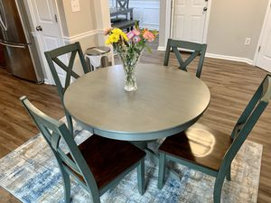 Wayfair Dining/Kitchen Table in Perfect Condition for Sale in Roswell, GA