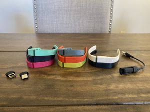 FitBit Flex - 8 bands, 3 clasps, charger - size Small for Sale in Tempe, AZ