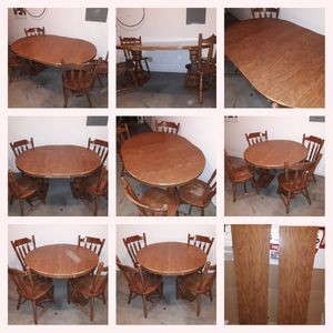 Re-sizable Kitchen Table with 2 inserts & 4 chairs for Sale in Mesa, AZ