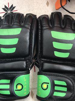 Century MMA Gloves for Sale in Huachuca City,  AZ