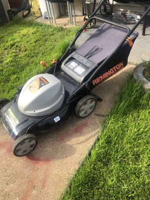 ELECTRIC MOWER WITH BAG for Sale in St. Louis, MO