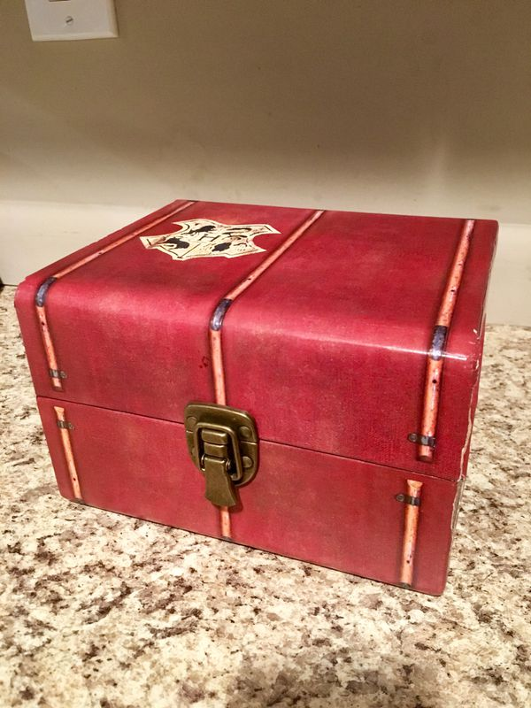 🧙♂️ HARRY POTTER CHEST BOX WITH DVD's & MORE