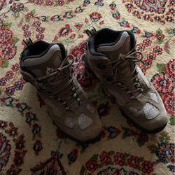 Vasque Hiking Boots for Sale in Warrenton,  VA
