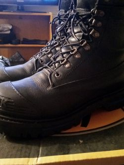 chinook work boots size 11 for Sale in Tieton,  WA