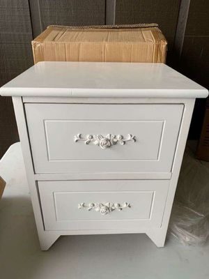 Night Stand - White for Sale in Palos Hills, IL
