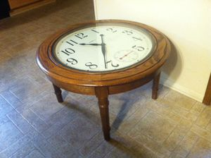 Antique Howard Miller wood clock face coffee, side table for Sale in Tigard, OR
