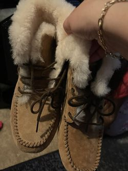 Ugg's Woman's Size 6 New for Sale in Norcross,  GA