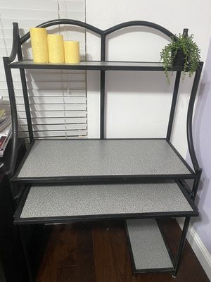 Office/Student desk with pullout keyboard tray for Sale in Tracy, CA