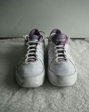 Nike women shoes size 8 for Sale in Silver Spring, MD