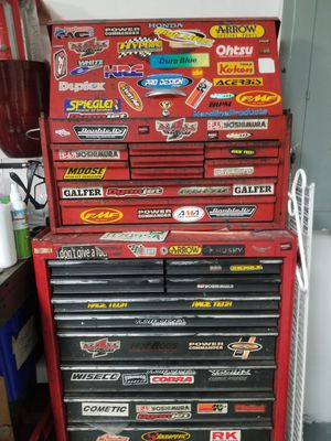 Snap on tool box with bottom husky chest with roller drawers for Sale in Miami, FL